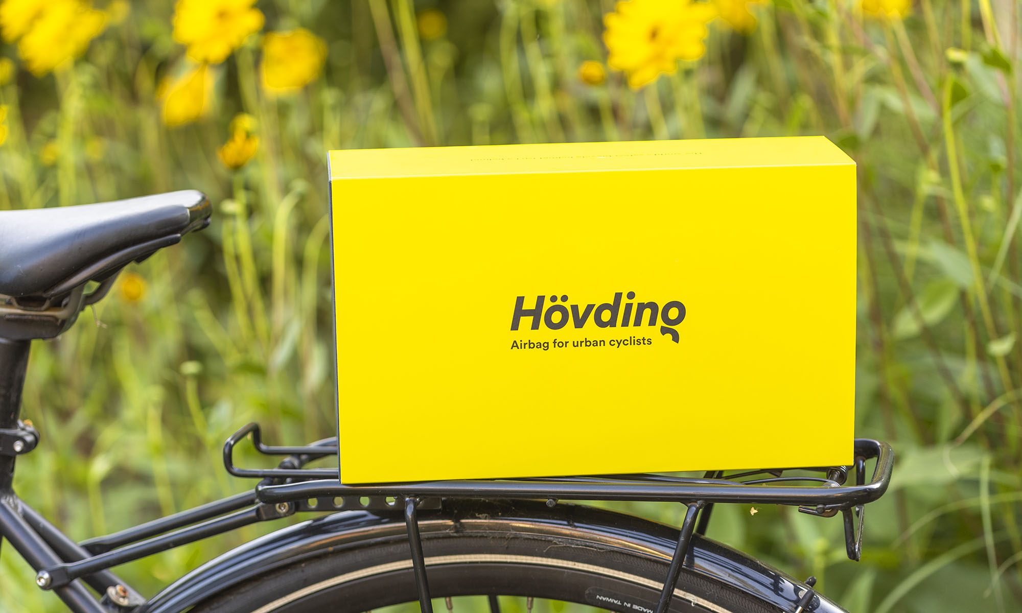 Hövding 3 retail packaging